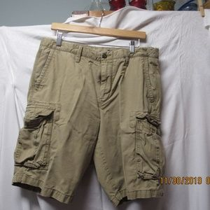Gap Mens cargo shorts Gap size 33